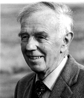 (Robert) Gwyn Macfarlane [by Jmcperth (Own work) [CC BY-SA 3.0 (http://creativecommons.org/licenses/by-sa/3.0) or GFDL (http://www.gnu.org/copyleft/fdl.html)], via Wikimedia Commons]