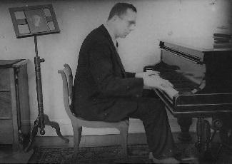 Gerhard Braun at the piano