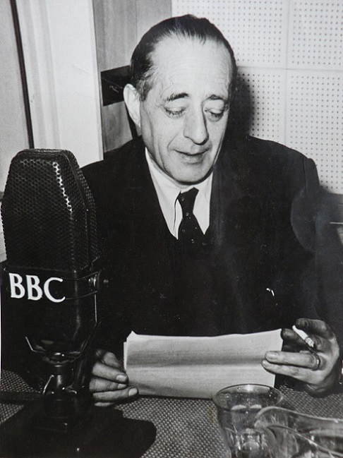 Arturo Barea broadcasting for the BBC Latin American Service