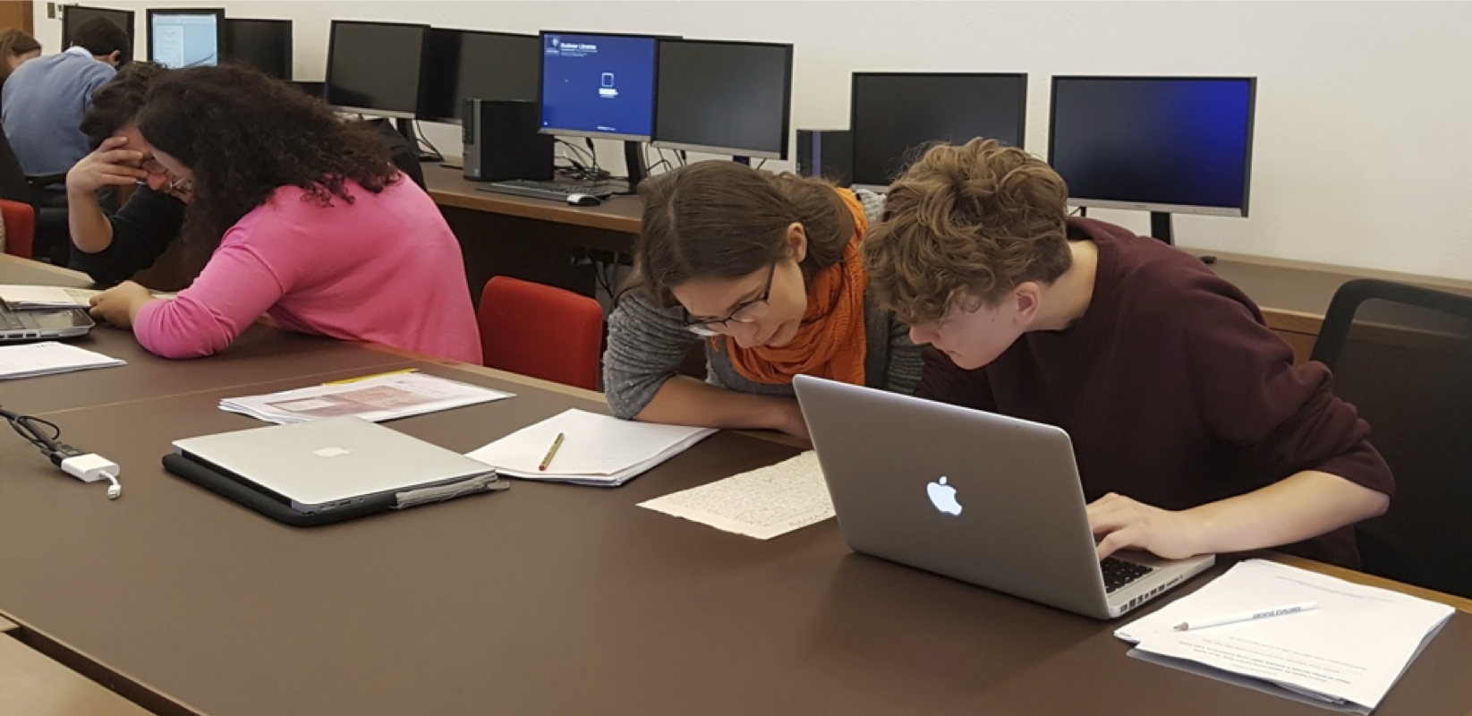 Bodleian Student Editions participants working with the letters
