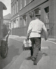 A pre WW2 milkman makes his deliveries to No.10 Downing Street from his horse drawn milk cart. Posted on Flickr by Leonard Bentley.