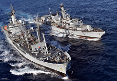 photo of type 23 frigate HMS Richmond (top) conducts a Replenishment at Sea (RAS) with RFA Black Rover