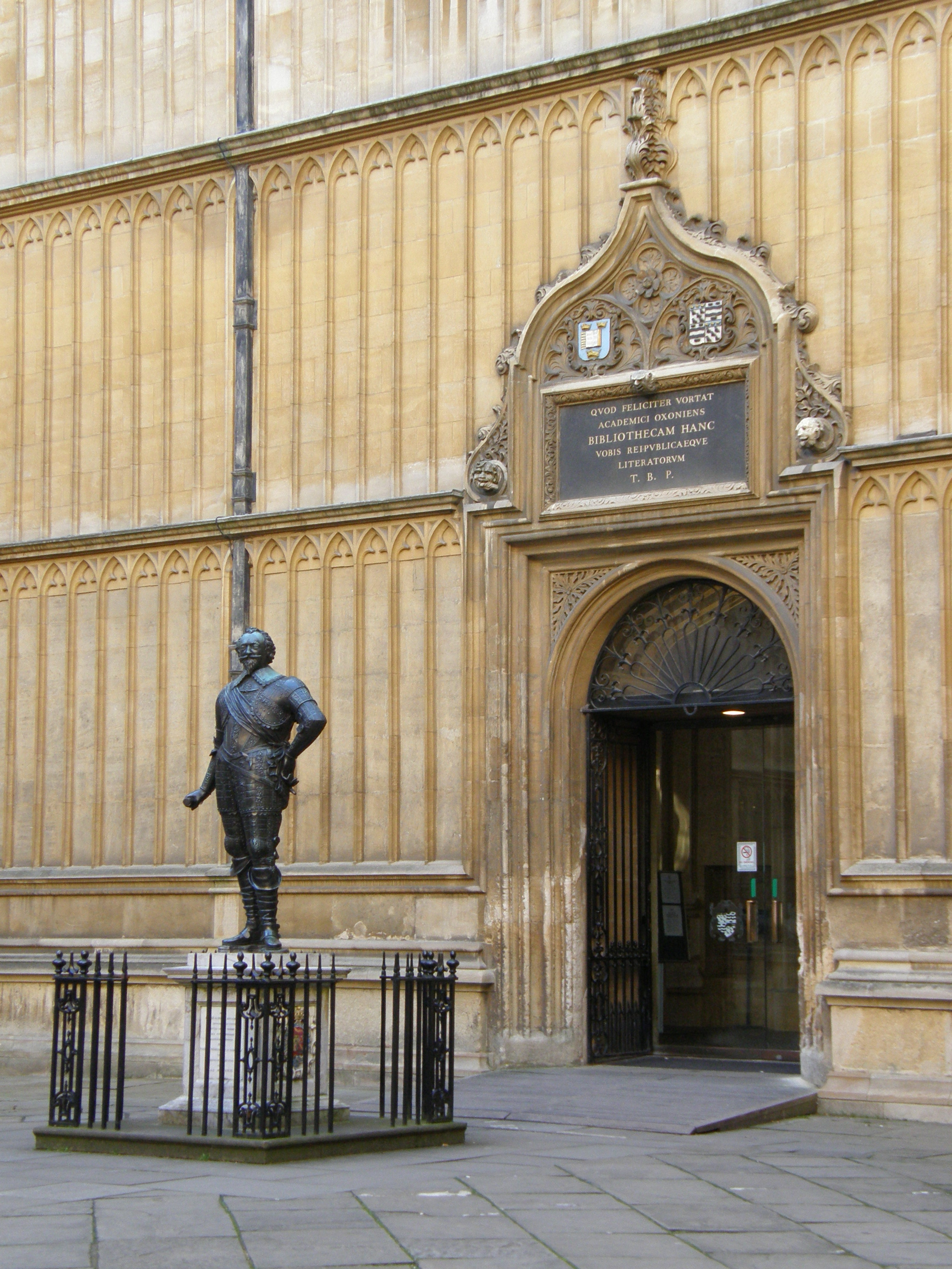 Old Bodleian Library entrance (c) Nick Cistone