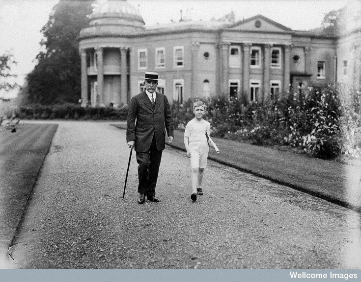 L0028629 Henry S. Wellcome and Mounteney Wellcome. Credit: Wellcome Library, London. Wellcome Images images@wellcome.ac.uk http://wellcomeimages.org Henry S. Wellcome and Mounteney Wellcome. Holiday sports at The Mansion, Sunbridge Park, Kent. Summer 1913. Published:  -  Copyrighted work available under Creative Commons Attribution only licence CC BY 4.0 http://creativecommons.org/licenses/by/4.0/